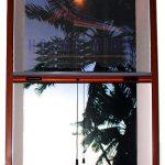 Cửa lưới chống muỗi tự cuốn vân gỗ