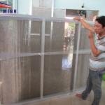 Hãy đo đạc chính xác kích thước trước khi lắp đặt lưới chống muỗi